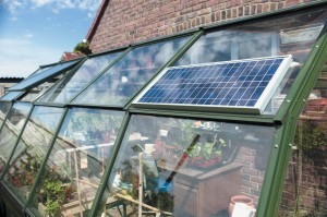solarmate-solar-panel-on-greenhouse-rs